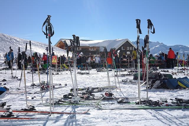 top 10 der besten skigebiete in kanada. Black Bedroom Furniture Sets. Home Design Ideas